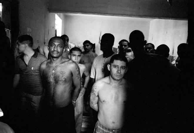 Nha tu lon nhat Nam My va vu tham sat kinh hoang hinh anh 3 Carandiru là nhà tù lớn nhất khu vực Nam Mỹ với giai đoạn giam giữ đỉnh điểm lên tới 8.000 tù nhân.