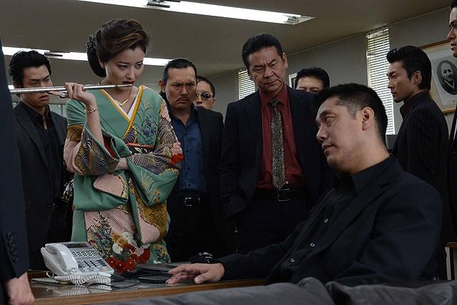 Quyen luc va tinh yeu cua nu tuong trong bang dang Yakuza hinh anh