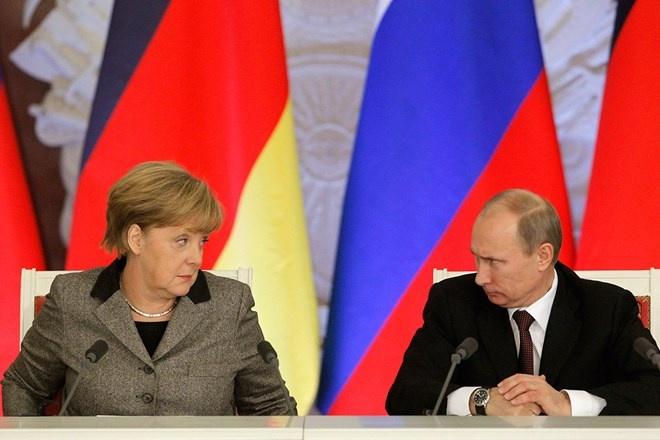 Nhung phut boi roi hai huoc cua cac nha lanh dao the gioi hinh anh 3 Thủ tướng Đức Angela Merkel và Tổng thống Nga Vladimir Putin trong cuộc họp báo tại điện Kremlin ngày 16/11/2012.