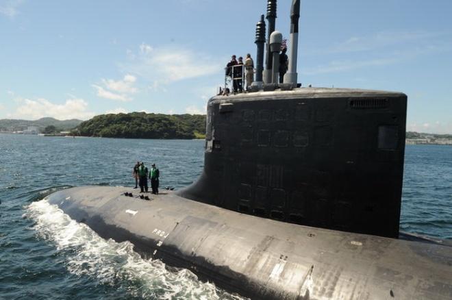 Nhung vu khi loi hai nhat cua My tai chau A - TBD hinh anh 3 Tàu ngầm hạt nhân lớp Virginia USS Hawaii hoạt động ngoài khơi Nhật - Ảnh: Global Security
