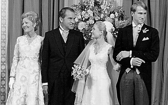 Nhung cau am, co chieu o Nha Trang hinh anh 9 Con gái của tổng thống Richard Nixon (nhiệm kỳ 1969 - 1974), cô Tricia, tổ chức đám cưới vào tháng 6/1971 tại Vườn Hồng. Đây là một trong những sự kiện đáng nhớ nhất trong nhiệm kỳ tổng thống của ông Nixon.