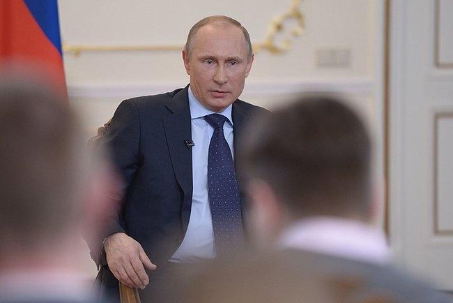 Hanh dong va cau noi an tuong cua ong Putin nam 2014 (ky 1) hinh anh 2 Tổng thống Putin trong cuộc họp báo đầu tiên về tình hình Ukraine. Ảnh: Kremlin.ru