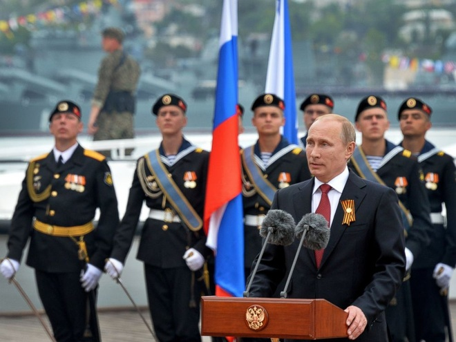 Hanh dong va cau noi an tuong cua ong Putin nam 2014 (ky 1) hinh anh 3 Tổng thống Putin phát biểu tại thành phố cảng Sevastopol trong chuyến thăm Cộng hòa tự trị Crimea lần đầu tiên. Ảnh: ABC