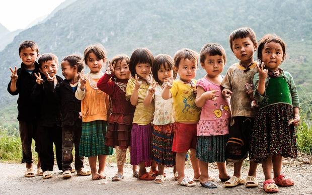 Anh chan dung nguoi Viet an tuong tren bao nuoc ngoai hinh anh 5 Những em bé dân tộc tại Lũng Cú, Đồng Văn.
