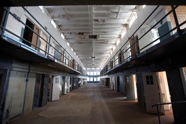 Nhung vu tham sat tu nhan kinh hoang trong trai giam hinh anh 4 Một khu trại giam trong nhà tù Santa Fe ở bang New Mexico. Ảnh: NYT