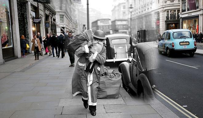 Giang sinh huyen ao o London ngay ay, bay gio hinh anh 5 Một 'ông già Noel' với phong cách lạ, khoác túi quà trên vai khi đang di chuyển trên phố Regent, ngày 23/12/1940.