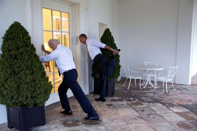 Nhung hinh anh dang nho nam 2014 cua Tong thong Obama hinh anh 7 Tổng thống Obama và Phó tổng thống Joe Biden ghi hình cho đoạn phim hưởng ứng chiến dịch