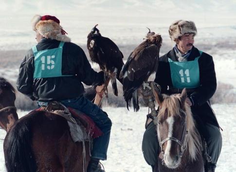 Mot ngay di san cung dai bang tren cao nguyen hinh anh 3 BBC cho biết những thợ săn Kazakhstan thường hoạt động vào mùa đông, khi nhiệt độ có thể xuống tới âm 40 độ C. Các thợ săn thường đi theo nhóm chứ hiếm khi hoạt động đơn lẻ.