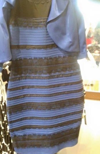 Loat anh an tuong nhat tuan (23 -28/2) hinh anh 9 Bức ảnh chiếc váy do một tài khoản Twitter có tên BradTheLadLong  đã khiến hàng triệu người trên thế giới, gồm những ngôi sao lớn như Taylor Swift, Justin Bieber... xôn xao trong những ngày qua. Câu hỏi mà người đăng ảnh đưa ra là chiếc váy này có màu xanh và đen hay vàng và trắng? Để kết thúc cuộc tranh luận, Caitlin McNeill - chủ nhân của bức hình đã lên tiếng khẳng định, chiếc váy này có màu xanh và đen.