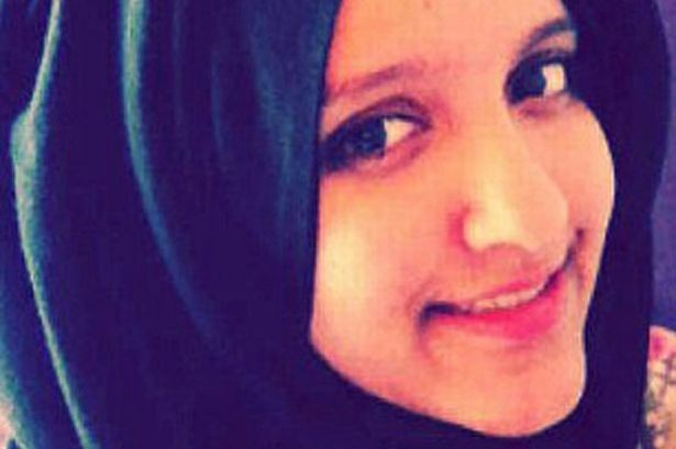 IS chieu du quan bang 'mat ngot' hon nhan nhu the nao? hinh anh 2 Aqsa Mahmood rũ bỏ gia đình, gia nhập Nhà nước Hồi giáo và kết hôn với chiến binh của tổ chức. Ảnh: Mirror