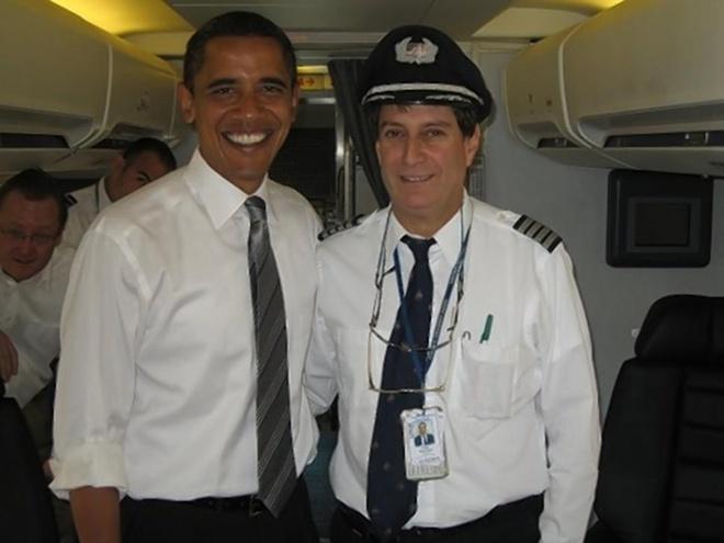 Nhung bi an trong vu tai nan cua chuyen bay 4U9525 hinh anh 2 Phi công Danziger là cơ trưởng của máy bay chở Tổng thống Obama trong ngày lễ nhậm chức năm 2008. Ảnh: NYD