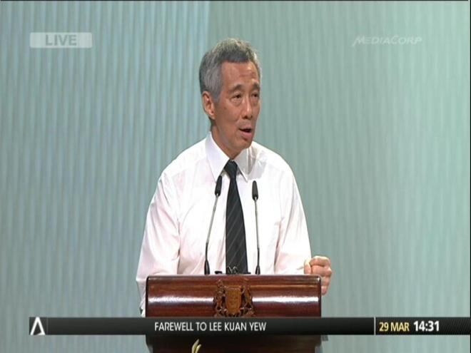 Ông Lý Hiển Long đọc điếu văn tại lễ quốc tang dành cho ông Lý Quang Diệu. Ảnh: Twitter