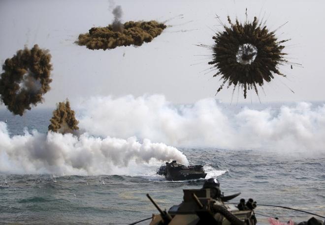 Cuộc tập trận diễn ra hàng năm. Các nước cử binh sĩ tham gia những cuộc diễn tập quân sự trên bộ, trên không và trên biển. Lực lượng hùng hậu tham gia tập trận gồm 12.500 binh sĩ Mỹ và 200.000 lính thủy quân lục chiến Hàn Quốc.