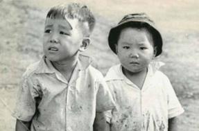 Tre em trong chien tranh Viet Nam qua anh quoc te hinh anh
