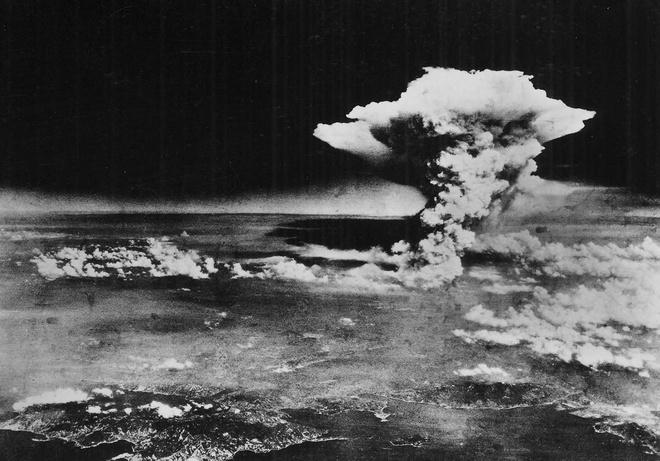 Cac moc quan trong trong The chien thu hai hinh anh 7 Tháng 8/1945, quân đội Mỹ thả hai quả bom