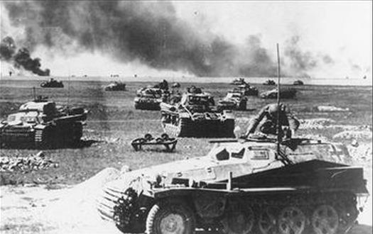 Cac moc quan trong trong The chien thu hai hinh anh 3 Chiến dịch Barbarossa từ ngày 224 đến 5/12/1941 diễn ra khi Đức Quốc xã xâm chiếm Liên Xô.  Đây