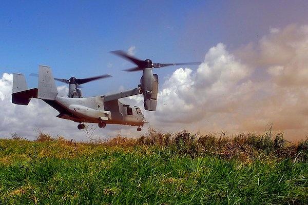 10 vu khi lam thay doi the gioi hinh anh 5 Máy bay không người lái (UAV) M19 Reaper đã hoàn toàn thay đổi phương thức tiến hành các hoạt động quân sự của Mỹ. Quân đội Mỹ sử dụng M19 Reaper lần đầu tiên vào năm 2001 trong hoạt động giám sát và không kích các chiến binh ở nhiều quốc gia khác nhau, từ Iraq, Somali tới Pakistan. UAV Reaper được chế tạo nhằm thực hiện có hiệu quả hai nhiệm vụ giám sát và hộ trợ trên không. Nó có khả năng di chuyển với vận tốc tối đa 482 km/h, trần bay đạt 15.600 m. Reaper có thể mang loại bom 227 kg, tên lửa đất đối không và tên lửa không đối không. Nó có thể hoạt động liên tục trong 36 giờ, với khả năng tấn công mục tiêu một cách nhanh chóng và hiệu quả.