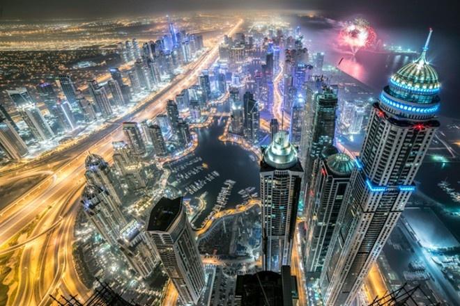 Nhung hinh anh an tuong nhat tuan qua (20 - 26/7) hinh anh 8 Quang cảnh thành phố Dubai thuộc  Các Tiểu vương quốc Ả Rập Thống nhất khi nhìn từ nóc