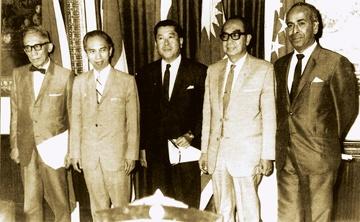 Hanh trinh nua the ky phat trien va doi moi cua ASEAN hinh anh 1 Ngày 8/8/1967, tại Bangkok (Thái Lan), Hiệp hội các quốc gia Đông Nam Á (ASEAN) được thành lập với 5 thành viên ban đầu gồm Indonesia, Thái Lan, Philippines, Malaysia và Singapore.  Mục tiêu của tổ chức là tăng cường hợp tác kinh tế, văn hoá - xã hội giữa các nước thành viên, tạo điều kiện cho các nước hội nhập sâu hơn với khu vực và thế giới.