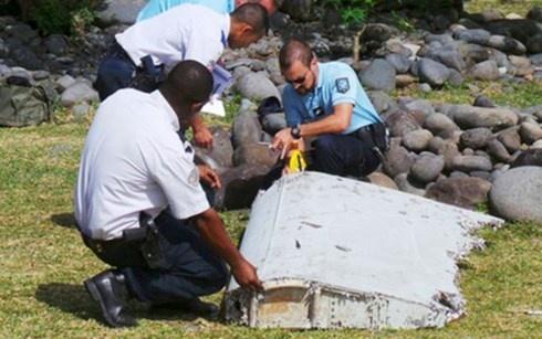 Viec phan tich manh vo nghi cua MH370 bat dau vao ngay 5/8 hinh anh