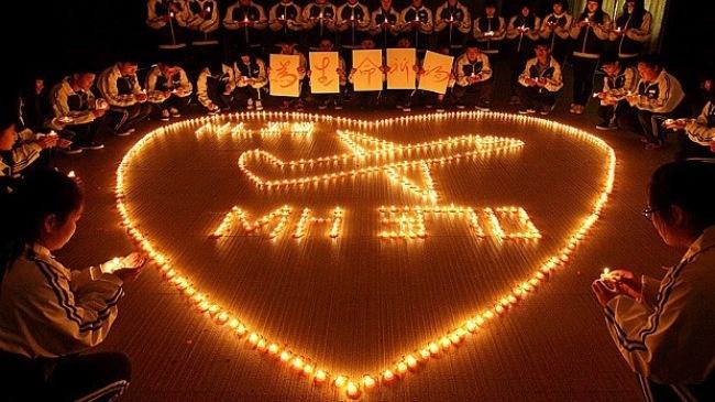 Ngày 8/3, người thân và các hãng hàng không tưởng niệm một năm kể từ khi MH370 biến mất.