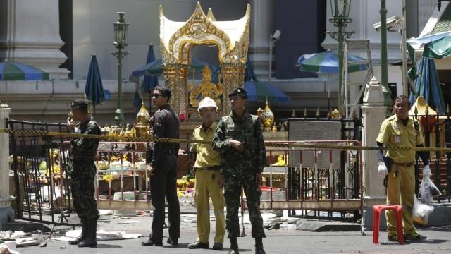 Bangkok 24 gio sau vu no bom chan dong hinh anh