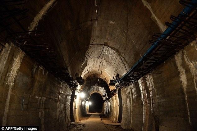 Tau cho vang cua phat xit Duc chua can phong ho phach Nga? hinh anh 2 Đường hầm chứa con tàu chở vàng của Phát xít Đức. Ảnh: AFP