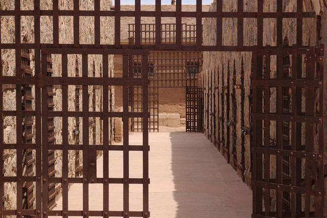 Noi giam giu toi pham nguy hiem o My the ky 19 hinh anh 9 Nhà tù đóng cửa vào năm 1909 do quá đông và trở thành trường trung học từ năm 1910 tới 1914. Sau đó, trại giam hư hỏng tới mức cư dân địa phương tới đây để tìm phế liệu. Trong thời kỳ Đại suy thoái ở Mỹ, đây là nơi trú ẩn của những người vô gia cư.