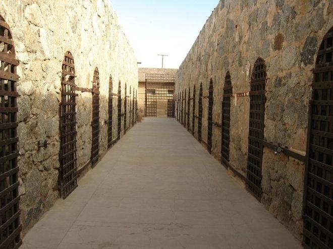 Noi giam giu toi pham nguy hiem o My the ky 19 hinh anh 10 Hiện tại, Yuma Territorial Prison là một công viên lịch sử quốc gia. Khách tham quan có thể tận mắt thấy các hiện vật do tù nhân sáng chế, một số vũ khí mà cai ngục từng sử dụng. Họ cũng có thể tới một rạp hát có thông tin về nhà tù.