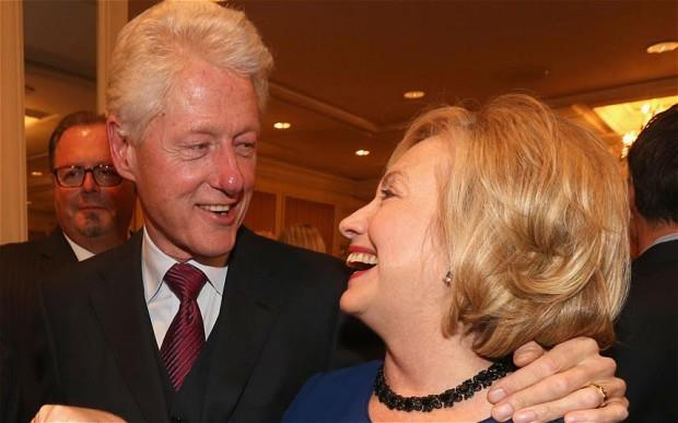 Bill Clinton bao ve vo truoc doi thu ty phu hinh anh