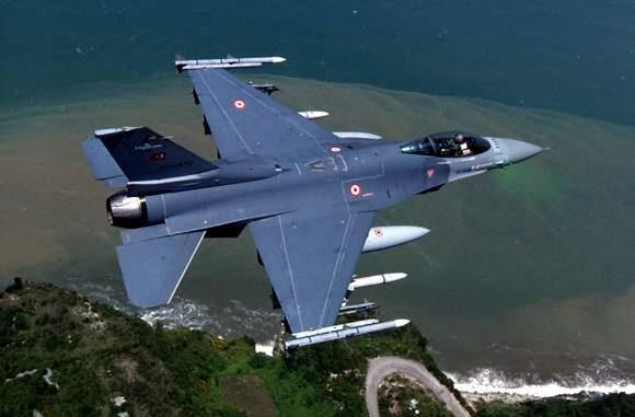 Tho Nhi Ky to may bay Nga xam nhap khong phan hinh anh 1 Tiêm kích F-16 của Không quân Thổ Nhĩ Kỳ. Ảnh: Defenseindustrydaily.com