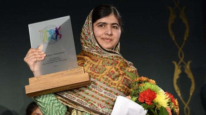 5 dieu it biet ve giai thuong Nobel hinh anh 1 nhà hoạt động nữ quyền 17 tuổi người Pakistan Malala Yousafzay. Ảnh: Reuters