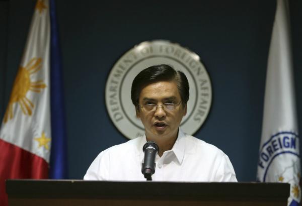 Philippines chi trich Trung Quoc xay hai dang phi phap hinh anh 1 Người phát ngôn Bộ Ngoại giao Philippines, ông