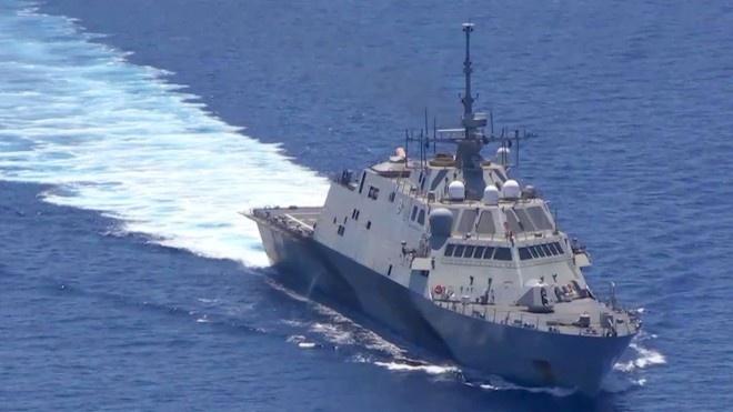 Trung Quoc doa dap tra neu My dieu tau vao vung 12 hai ly hinh anh 1 Chiến hạm Mỹ tới gần khu vực Trung Quốc đang cải tạo trái phép trên Biển Đông giữa năm 2015. Ảnh: CNN