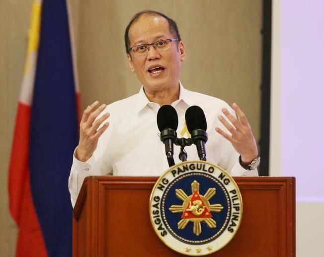 Philippines, Australia ung ho hoat dong cua My o Bien Dong hinh anh 1 Tổng thống Philippines Aquino phát biểu trước các phóng viên tại thành phố Paranaque hôm 27/10. Ảnh: AP