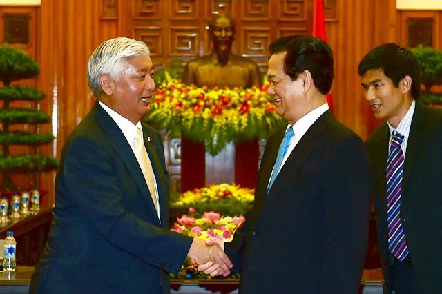 Bien Dong la van de quan trong song con hinh anh 2 Thủ tướng Nguyễn Tấn Dũng và Bộ trưởng Quốc phòng Nhật Bản Nakatani Gen. Ảnh: VGP/Nhật Bắc
