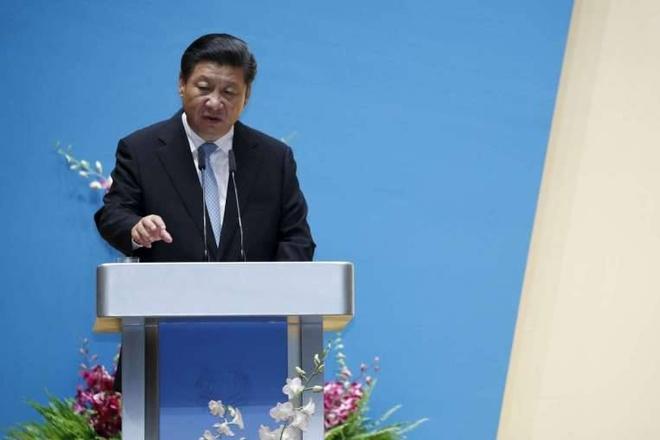 Tu Singapore, ong Tap lai noi vo can cu ve Bien Dong hinh anh 1 Chủ tịch Trung Quốc Tập Cận Bình phát biểu tại Đại học Quốc gia Singapore ngày 7/11. Ảnh: Straits Times