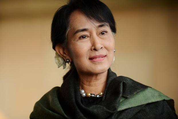 Cuoc doi nguoi phu nu noi tieng nhat Myanmar hinh anh
