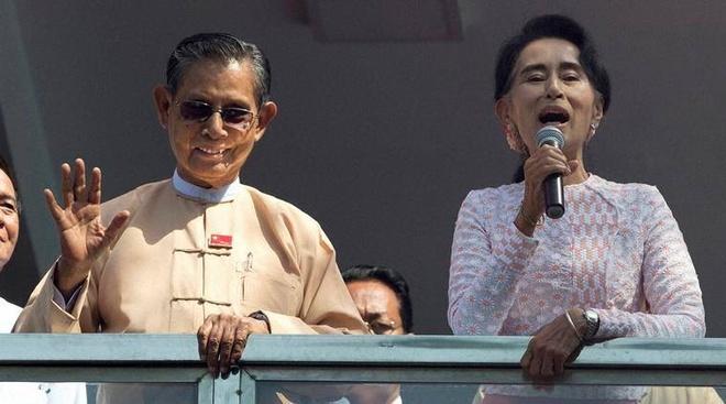 Quan doi Myanmar cam ket chuyen giao quyen luc suon se hinh anh