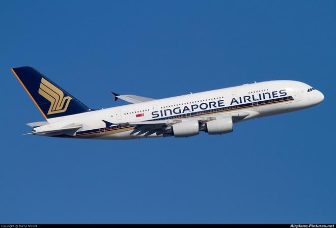 Phi co Singapore Airlines ha canh an toan sau moi de doa bom hinh anh 1
