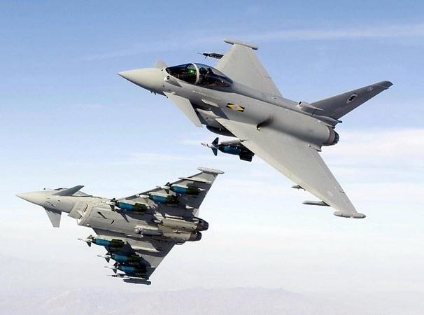 Anh thong qua quyet dinh doi bom IS hinh anh 1 Máy bay của Không quân Hoàng gia Anh. Ảnh: