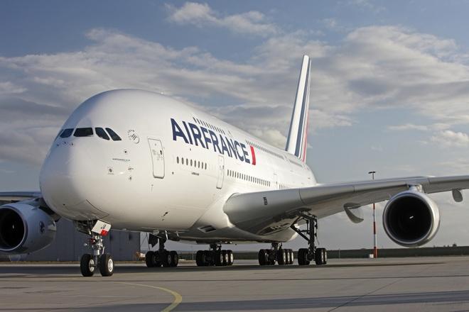 May bay Air France ha canh khan cap vi bi cai bom gia hinh anh 1