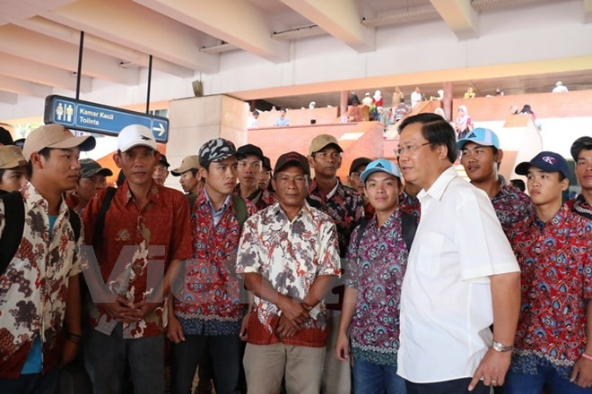 42 ngu dan Viet Nam hoi huong tu Indonesia hinh anh