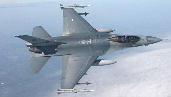 Ha Lan se dieu F-16 tham gia lien minh chong IS o Syria hinh anh