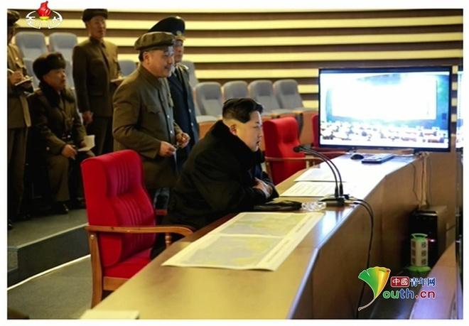 Ong Kim Jong Un an mung vu phong ten lua thanh cong hinh anh 2
