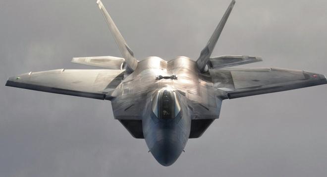My dieu 4 may bay chien dau tang hinh F-22 toi Han Quoc hinh anh