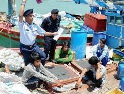 25 ngu dan Viet bi bat o Malaysia vi nghi danh ca trai phep hinh anh