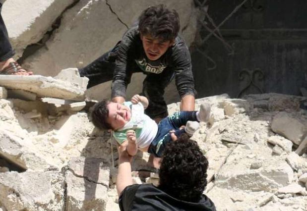 Benh vien bi khong kich, lenh ngung ban o Syria 'thoi thop' hinh anh