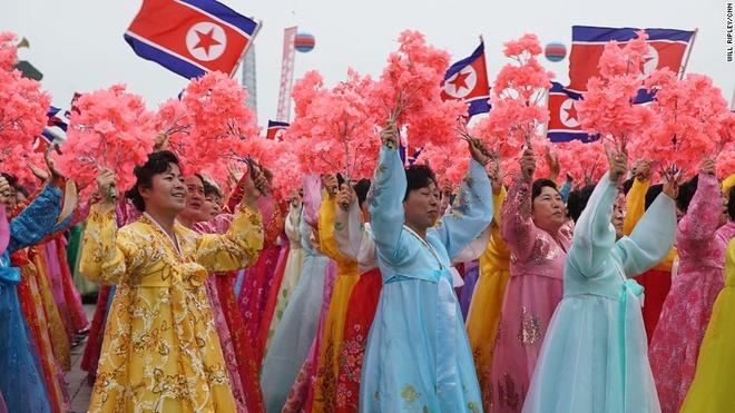 Trieu Tien dieu hanh hoanh trang ket thuc dai hoi dang hinh anh