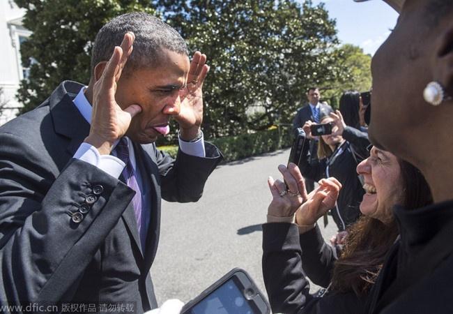 Nhung khoanh khac doi thuong cua Tong thong Obama hinh anh
